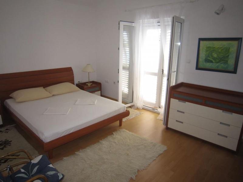 05a Bedroom 1